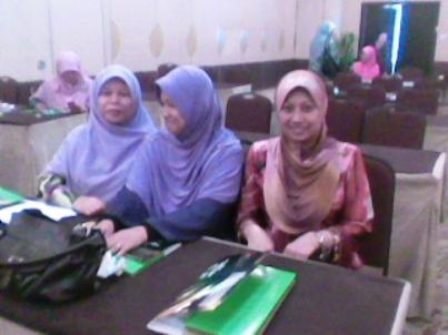 Wan Sariah, Me and Juliana Jusoh (SMK Chung Hwa Wei Sin)